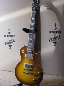 yuis-guitar-les-paul-honeyburst-standard